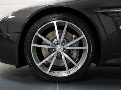 Aston Martin V8 Vantage    - 16