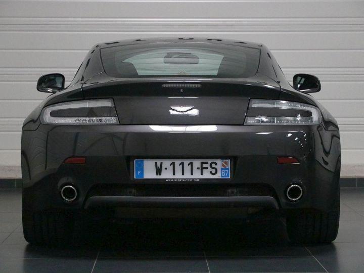 Aston Martin V8 Vantage  - 21