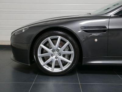 Aston Martin V8 Vantage    - 6