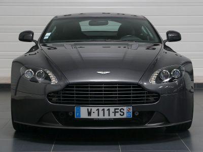 Aston Martin V8 Vantage    - 12