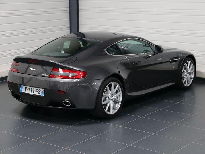 Aston Martin V8 Vantage  - 30