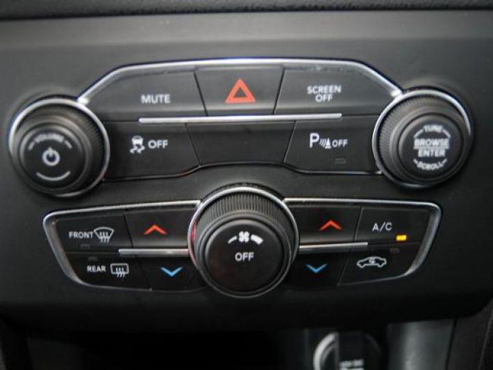 Dodge CHARGER Sxt v6 pentastar 36l bva8 305hp - 2