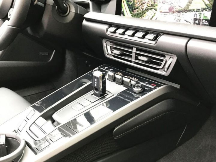 Porsche 992 Carrera 4S  Cabriolet  -  450 - 10