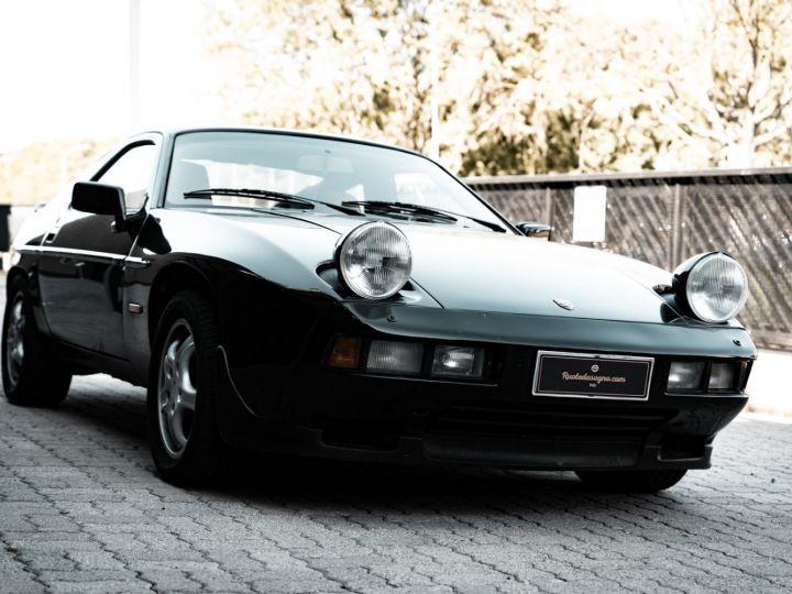 Porsche 928 S - 1