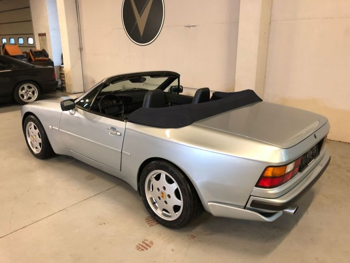 Porsche 944 S2 Cabrio - 11