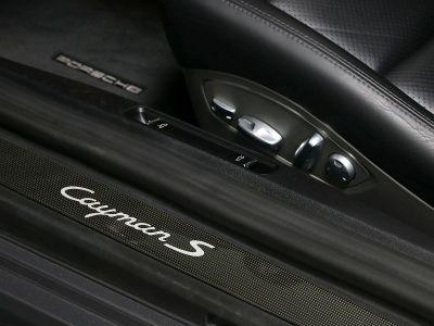 Porsche Cayman S   - 21